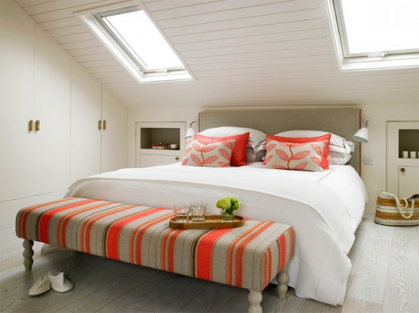10 Amazing Bedrooms with Skylights (7).jpg