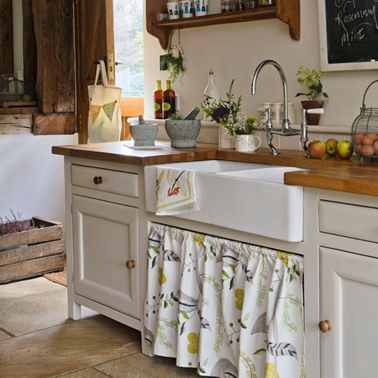 10 country kitchen designs adorable home for Small white country kitchen