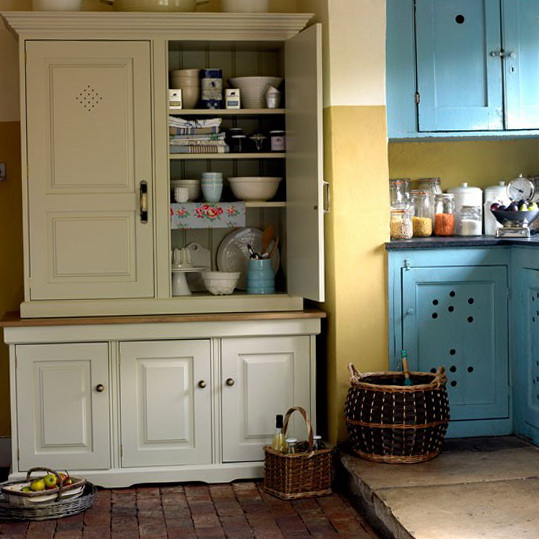 Pics for small country kitchen decorating ideas for Small country kitchen ideas