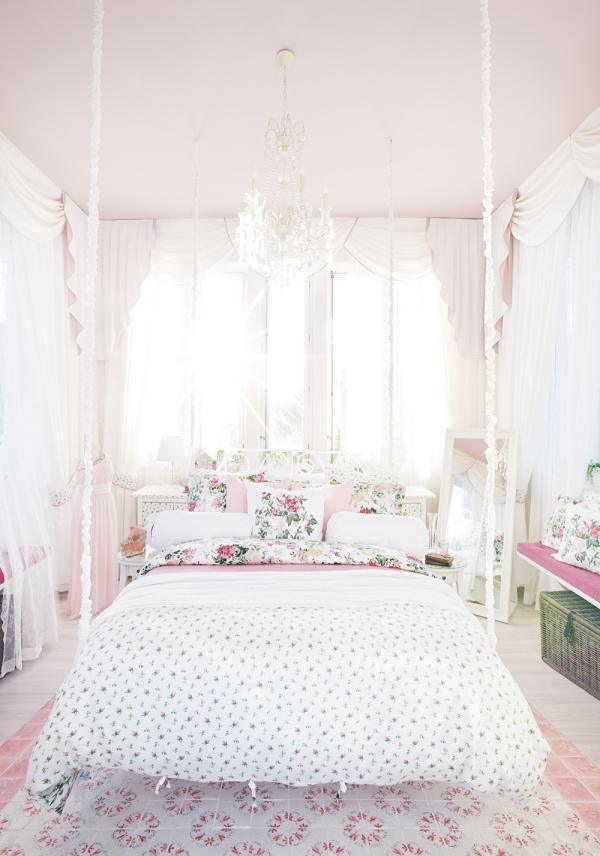 10 Graceful Feminine Bedroom Ideas (4)