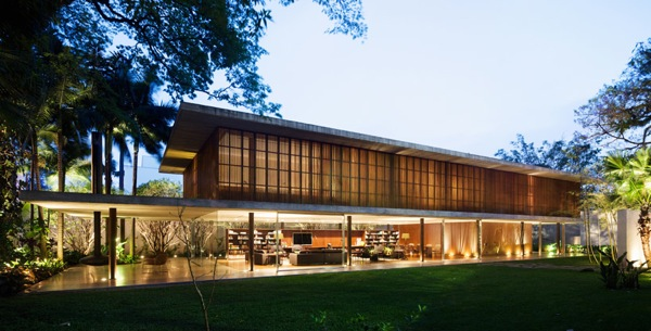 2 story contemporary house in sao paulo adorable home - The narrow house of sao paolo ...