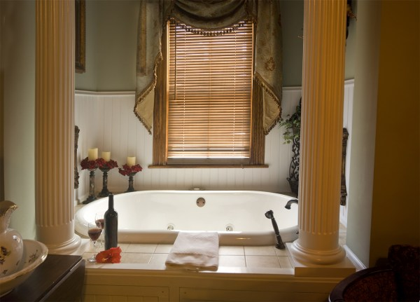 20-romantic-bathroom-designs-6