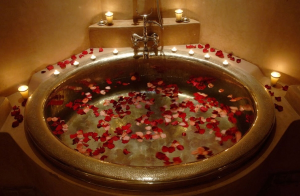 Romantic bathroom designs adorable home for Romantic bathroom designs for couples