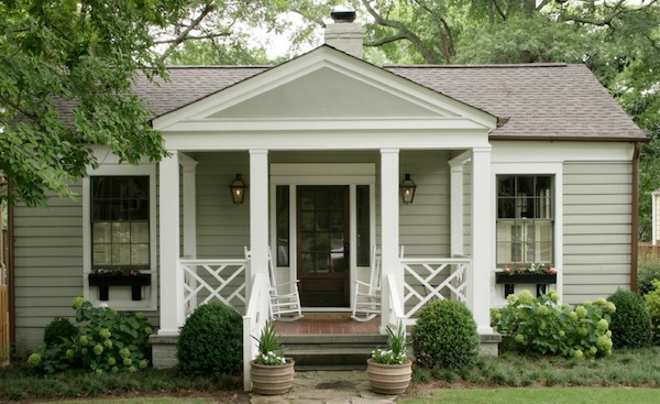 3 trending design options for your front portico for Small outdoor porch ideas