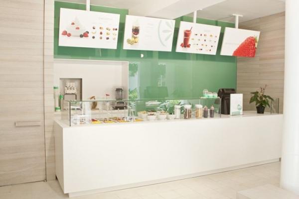 7 fresh and inspiring yogurt bar designs from all over the world (10).jpg