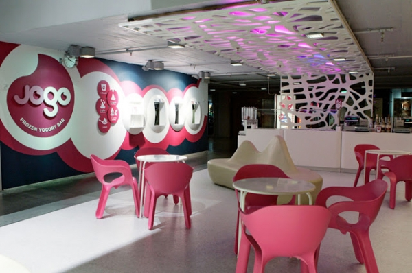7 fresh and inspiring yogurt bar designs from all over the world (7).jpg