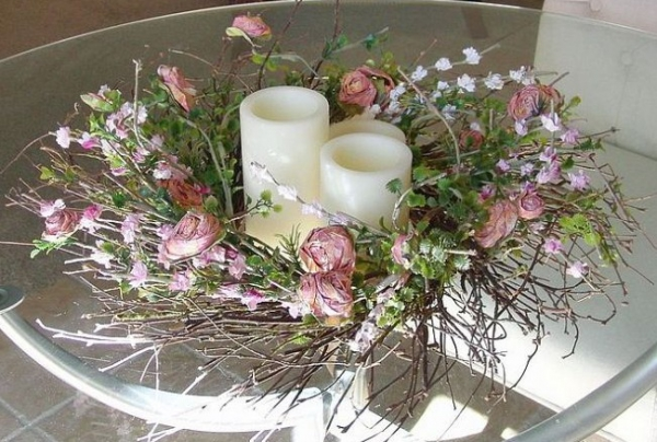 7 ways to decorate with a spring wreath (3)