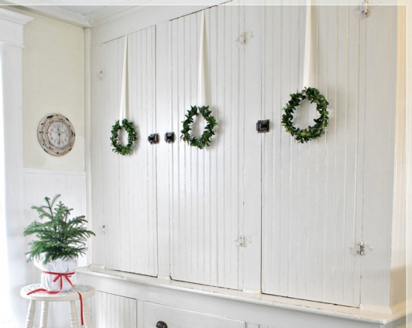 7 ways to decorate with a spring wreath (6)