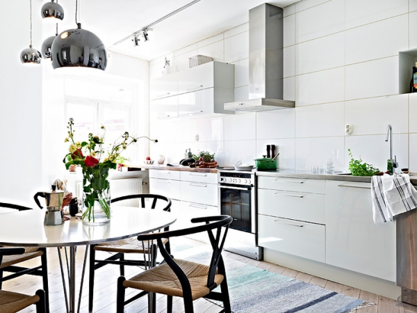 A beautiful white apartment made in heaven (1)
