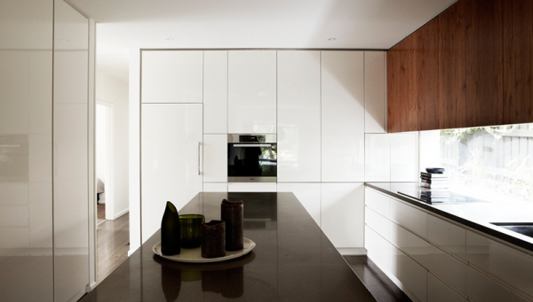 A contemporary minimalist home that keeps it simple  (7)