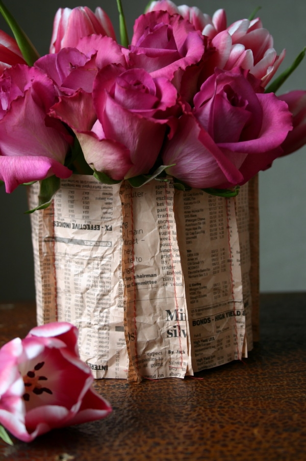 diy-newspaper-vase-9