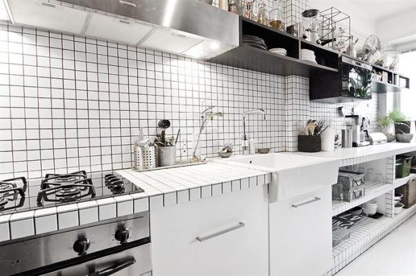 a-favorite-black-and-white-interior-design-6