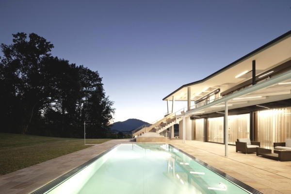 a-modern-house-plan-that-plays-with-lines-10