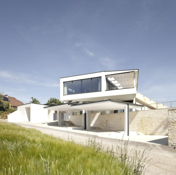 a-modern-house-plan-that-plays-with-lines-3