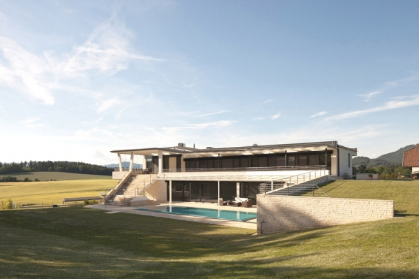 a-modern-house-plan-that-plays-with-lines-5