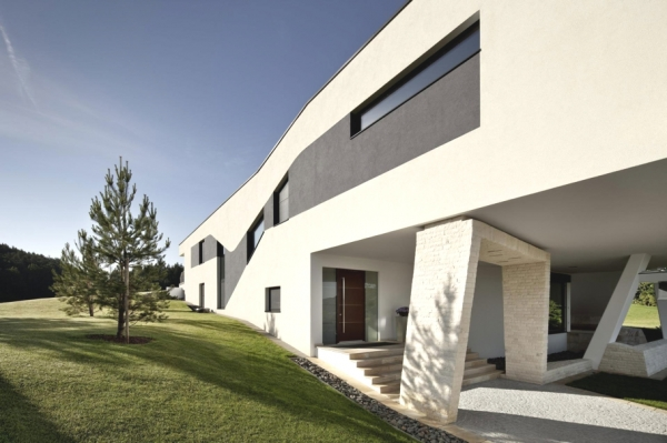 a-modern-house-plan-that-plays-with-lines-7