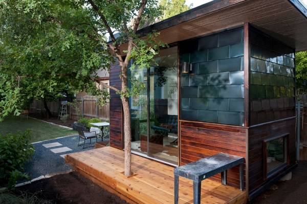 a-remarkable-backyard-office-5