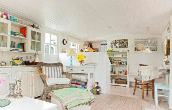 A Scandinavian dream inside an adorable tiny home (2)