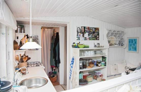 A Scandinavian dream inside an adorable tiny home (3)
