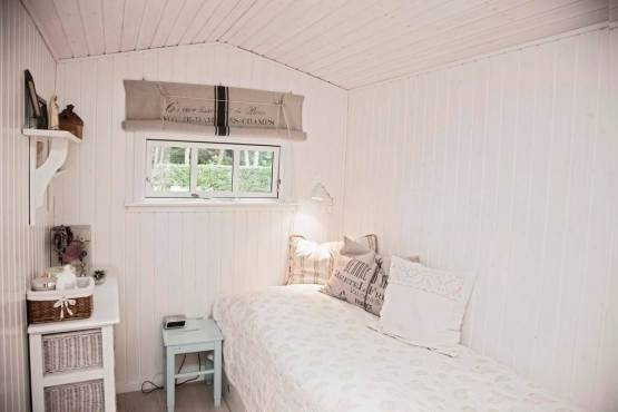 A Scandinavian dream inside an adorable tiny home (6)