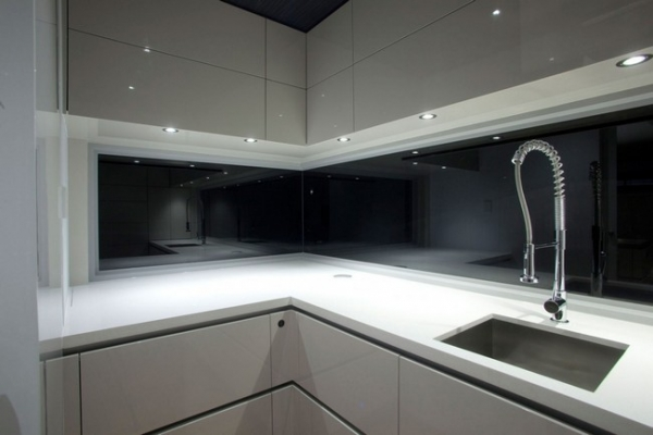 a-stylish-kitchen-with-form-and-function-6