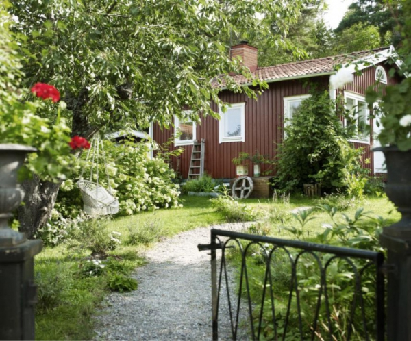a-sublime-small-villa-outside-of-stockholm-1