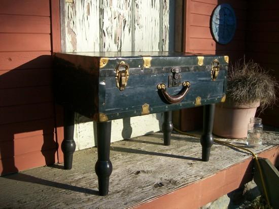 a-suitcase-for-decoration-10
