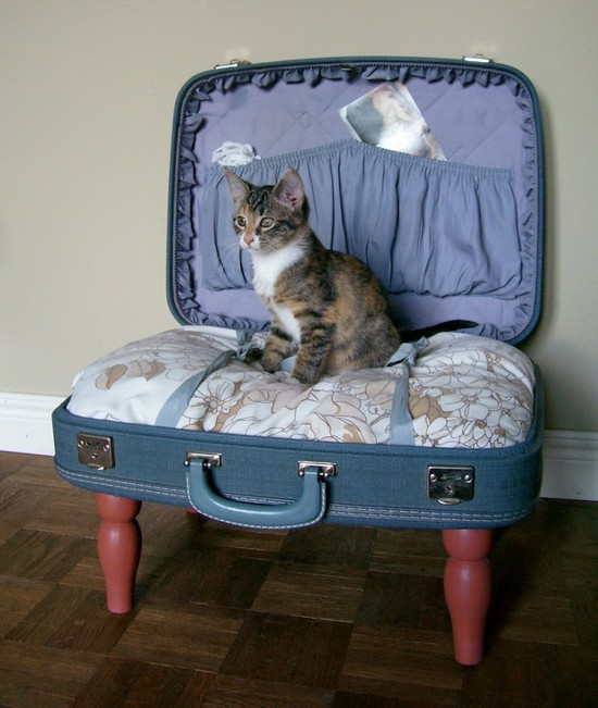 a-suitcase-for-decoration-15