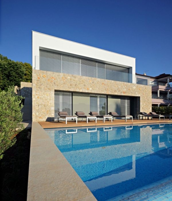A Three Family Contemporary House On The Adriatic