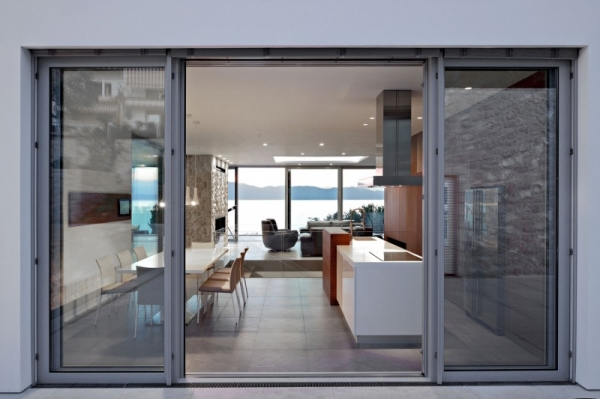 contemporary-house-on-the-adriatic-4