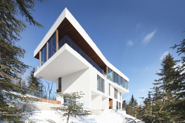 spectacular mountain home Canada (1)