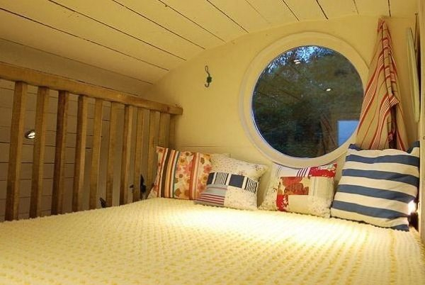 A triumph in tiny spaces cylindrical micro cabin (6)