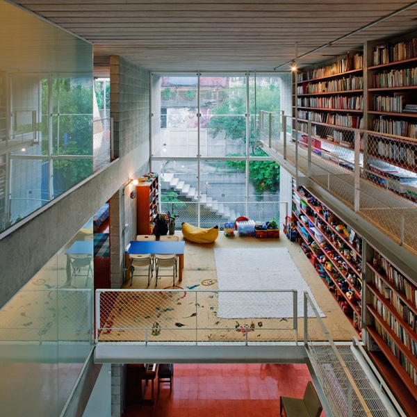 a-truly-luxurious-library-3