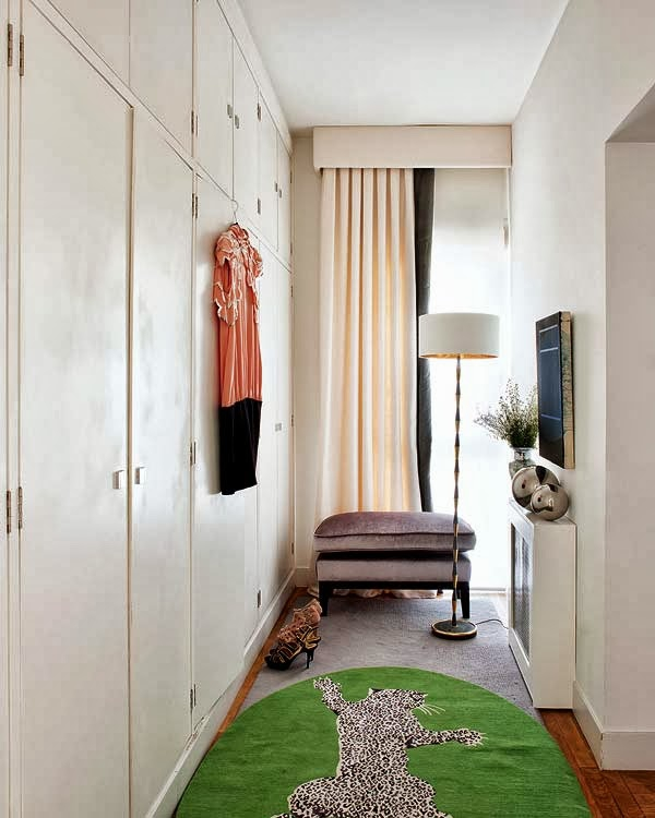 a-very-modern-take-on-an-earthy-color-scheme-5