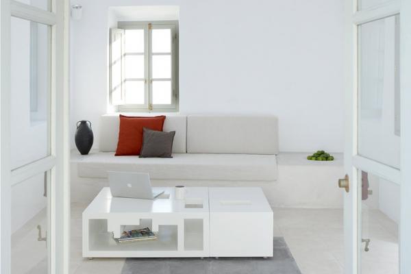 a-white-villa-in-santorini-6