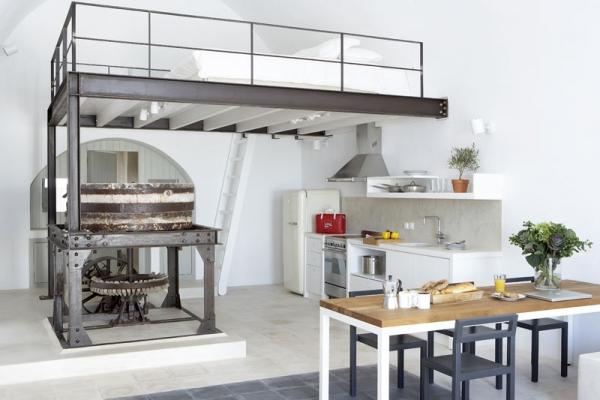 a-white-villa-in-santorini-7