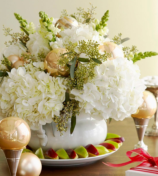 add-flower-arrangements-to-your-festive-decorations-13