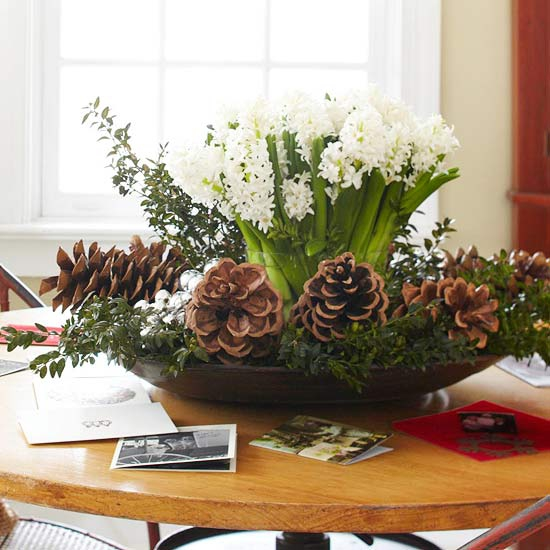 add-flower-arrangements-to-your-festive-decorations-2