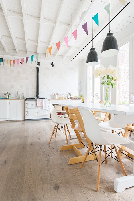 Adorable home with bright and beautiful decor (1)