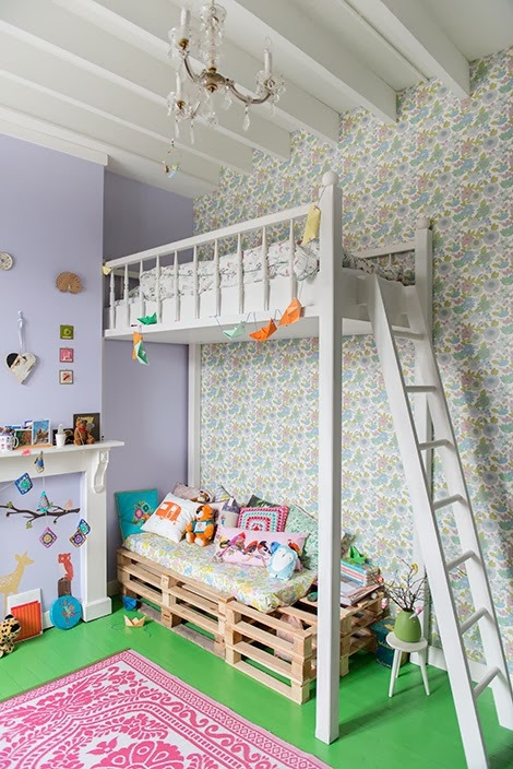 Adorable home with bright and beautiful decor (19)