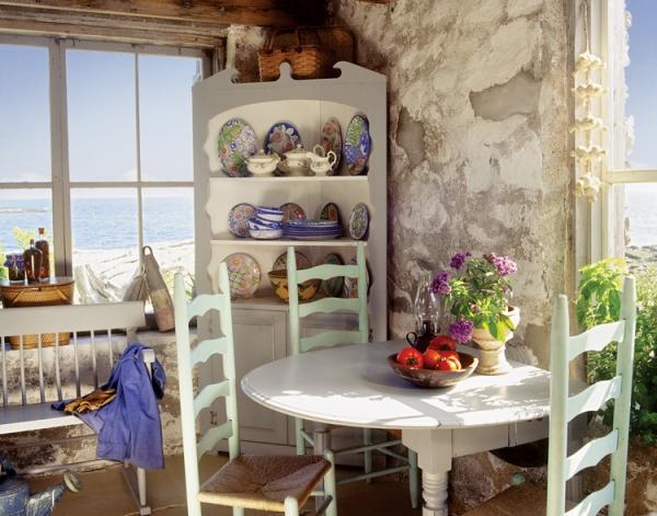 adorable-stone-house-on-an-island-near-maine-7