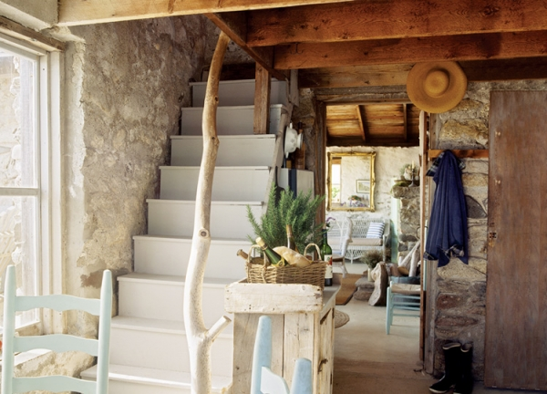 adorable-stone-house-on-an-island-near-maine-9