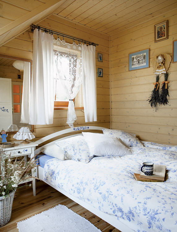 adorável de madeira casa-em-poland-12