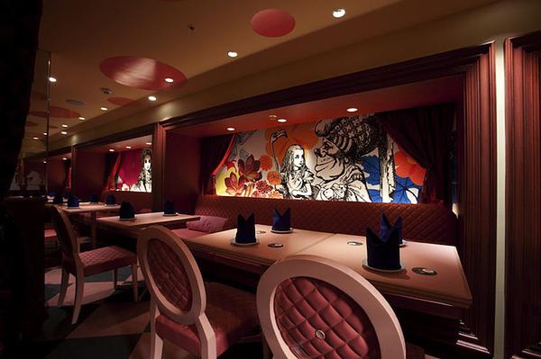 alice-in-wonderland-themed-restaurant-8