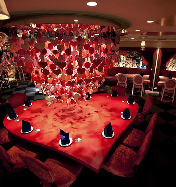 alice-in-wonderland-themed-restaurant-9