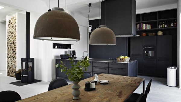 alluring-and-airy-dark-interior-2