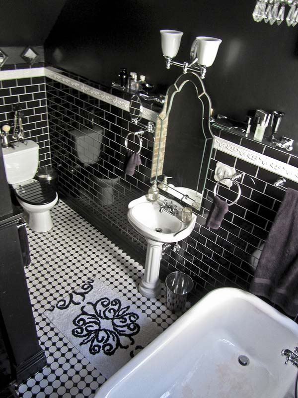 Alluring dark bathroom designs (24).jpg