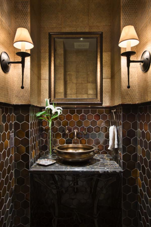Alluring dark bathroom designs from all over the world for Dark bathroom wallpaper