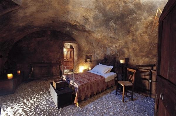amazing-mediterranean-mountain-village-hotel-10