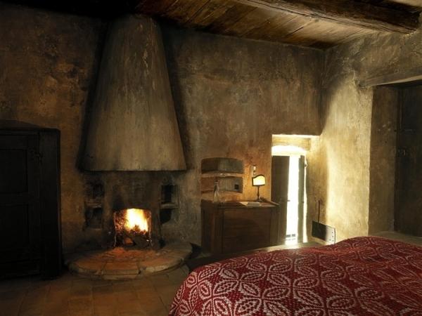 amazing-mediterranean-mountain-village-hotel-15